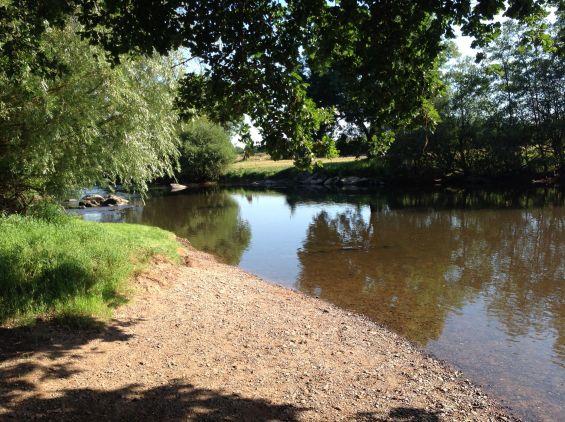 Etang river